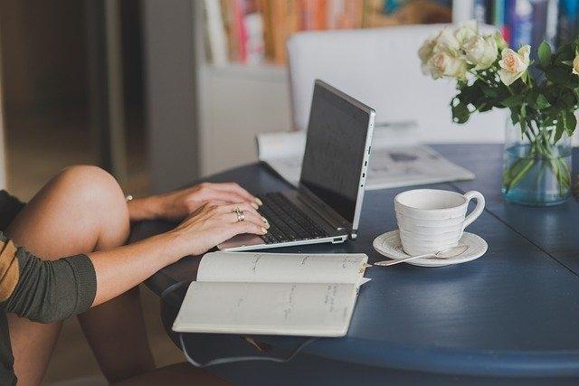 kako zaslužiti z blogom